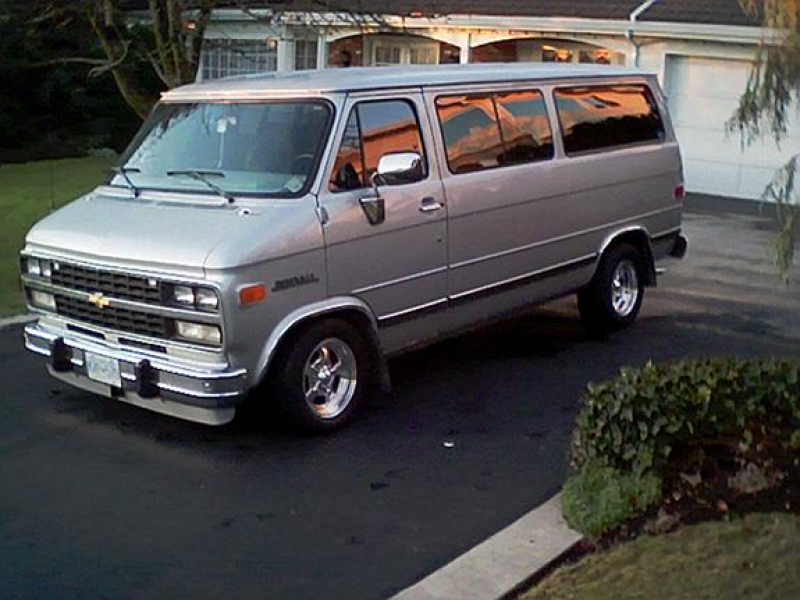 Another wopper 1995 Chevrolet Sportvan G20 post...