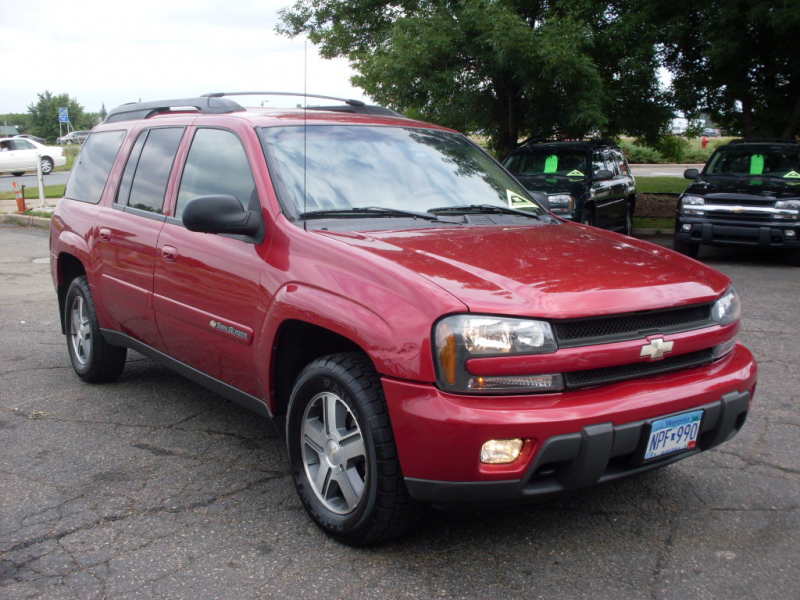 2004 Chevrolet trailblazer red