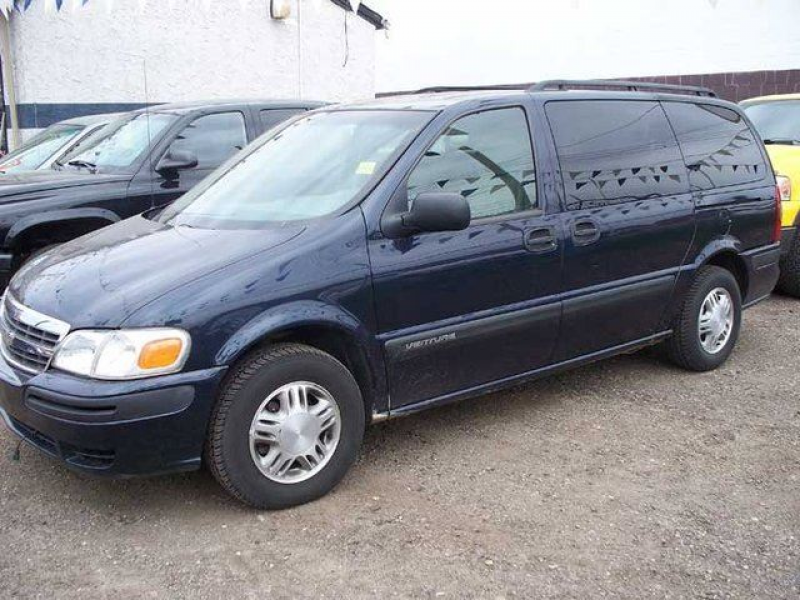 2005 Chevrolet Venture Value Plus Van LWB in Edmonton, Alberta image 2