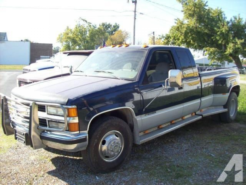 1995 Chevrolet 3500 Silverado for sale in Nashville, Illinois