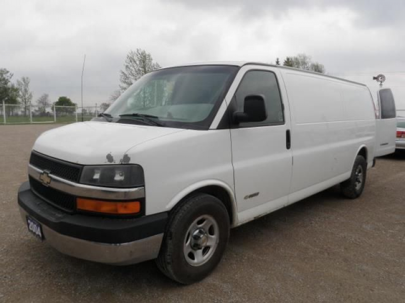 2004 Chevrolet Express 1500 EXTENDED CARGO in Stratford, Ontario