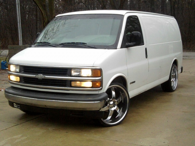 Another AZTECA126 2001 Chevrolet Express 1500 Cargo post...