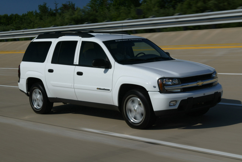 06-chevrolet-trailblazer.jpg