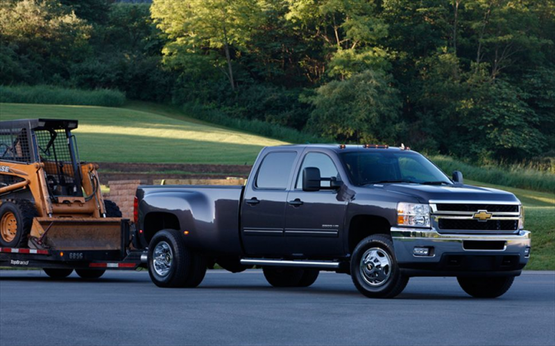 2011 Chevrolet Silverado 3500 HD Rear Three Quarter View With Tailer