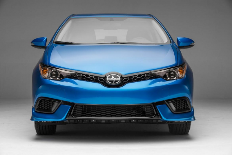 CNET Car Tech Cars 2016 Scion iM (pictures)