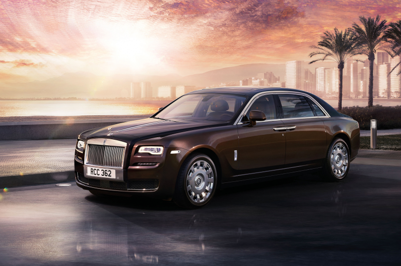 2015 Rolls Royce Ghost Series II Front Three Quarter 02