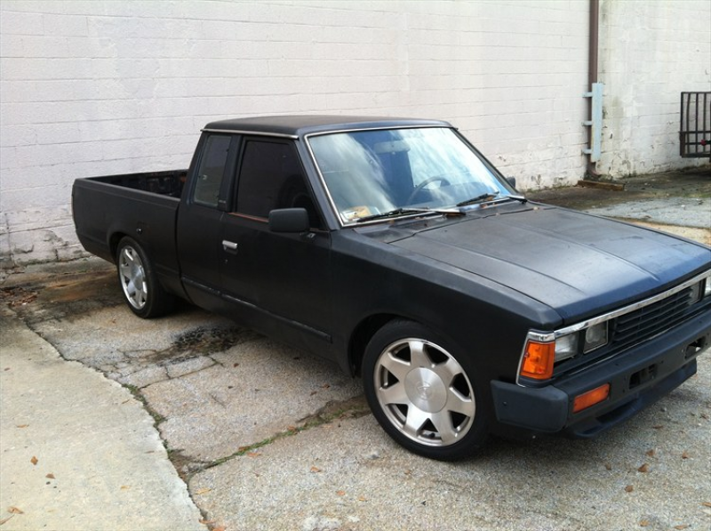loweredchevy27 s 1985 nissan 720 pick up mini trucker