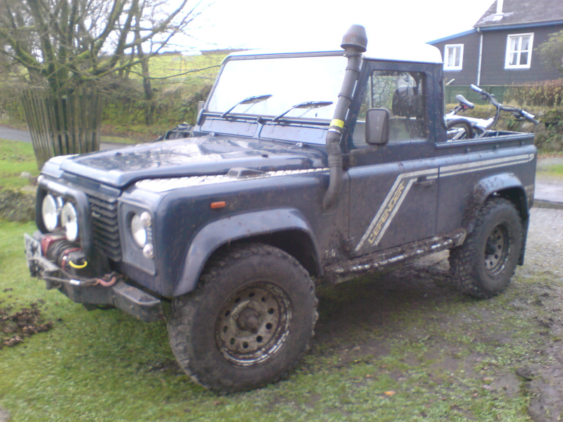 Home / Research / Land Rover / Defender / 1993