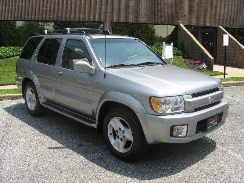 ... pristine 2001 infiniti qx4 luxury suv with all wheel drive this qx4