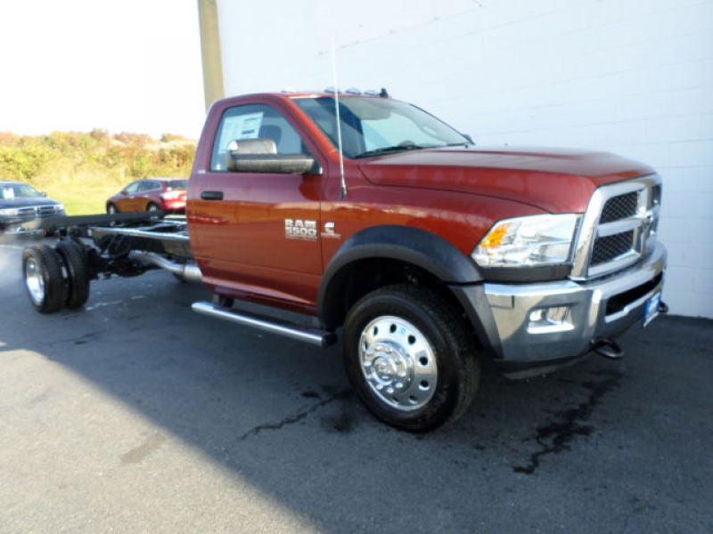 NEW-13-Dodge-Ram-5500-cab-and-chassis-120-cab-to-axle-wb