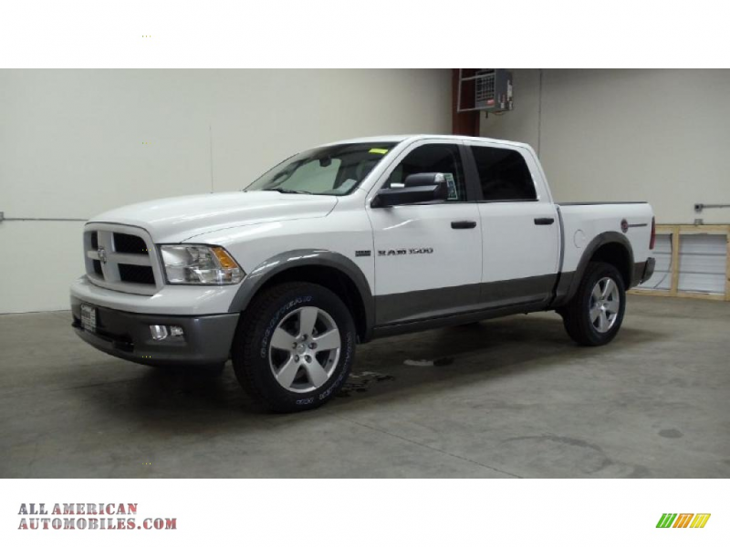 2011 Dodge Ram 1500 SLT Outdoorsman Crew Cab 4x4 in Bright White
