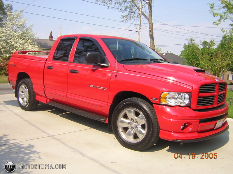 Photo of a 2004 Dodge Ram 1500 Hemi Sport (3-2-1 HEMI)