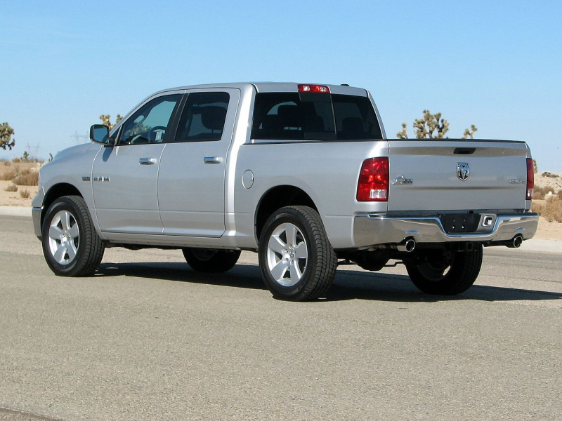 File:2009 Dodge RAM 1500 SLT 4-door pickup -- NHTSA 02.jpg