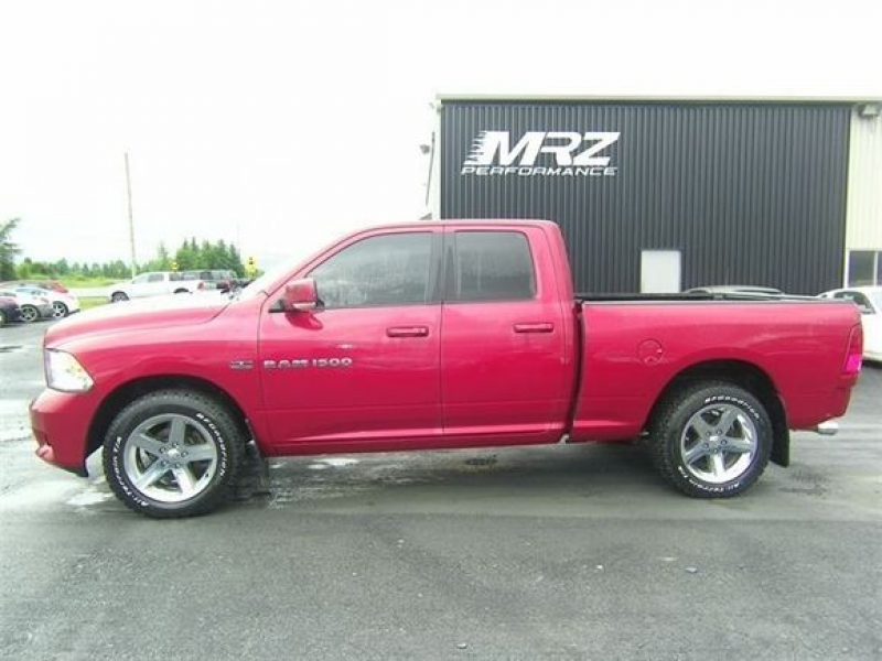 DODGE RAM 1500 2011 Rouge Sport - Accidenté très léger!! Full ...