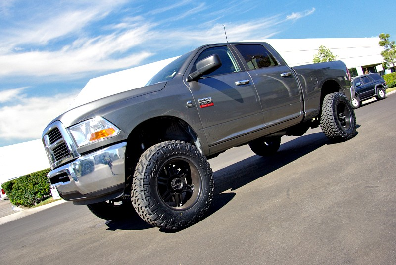 "Dodge Ram 2500 2014-UP, 4WD Only - 8 LUG - 4.5""F/1.5""R SST Lift Kit"