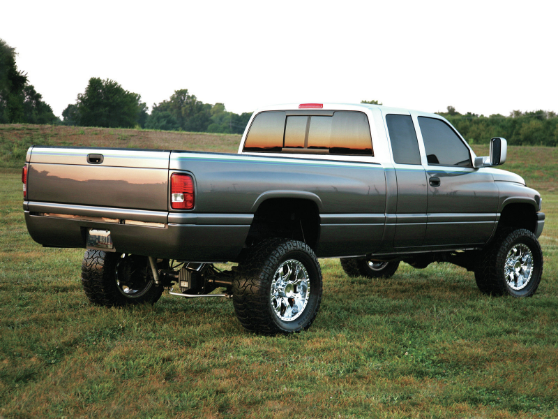 Family Effort 2002 Dodge Ram 2500 Extended Cab