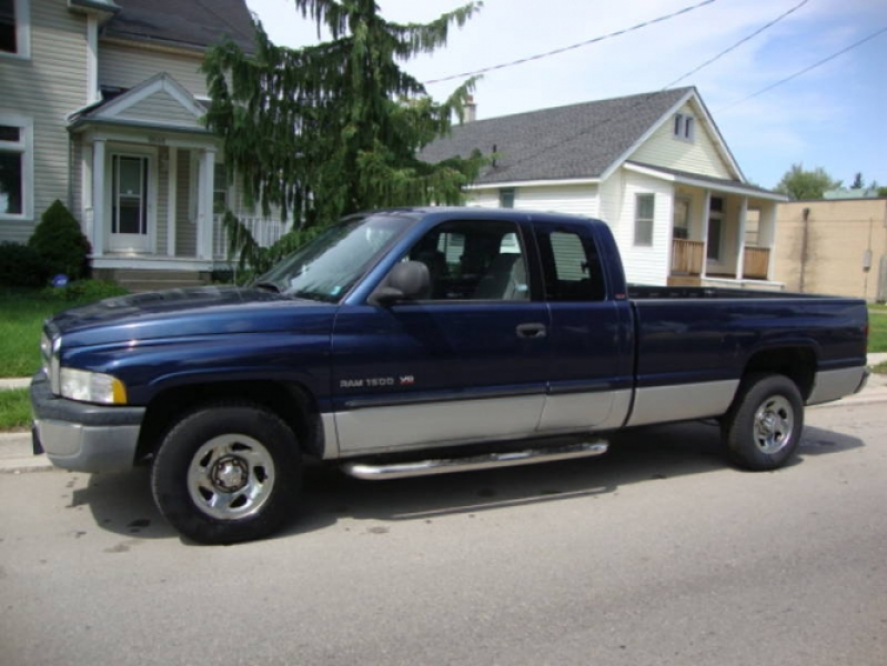 2001 Dodge Ram 1500 SLT Laramie in London, Ontario