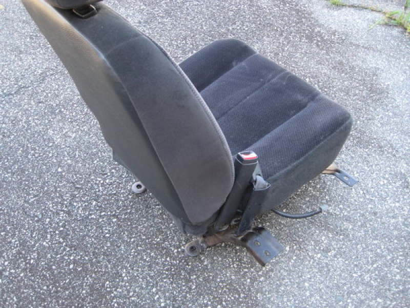 about 04 Dodge Ram 1500 Pickup Truck Driver Side Front Bucket Seat ...