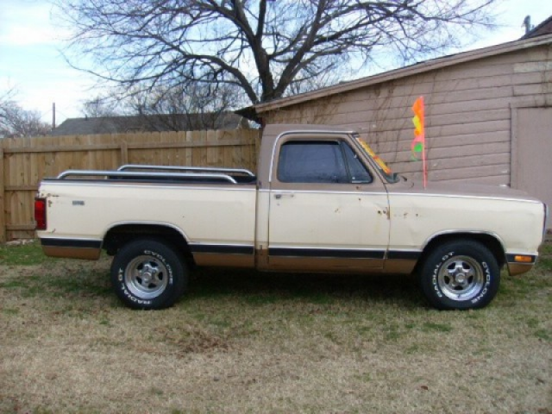 1985 Dodge RAM 100 Base