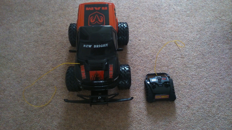 about Radio Remote Controlled New Bright 2011 Dodge HEMI TRUCK Car Ram