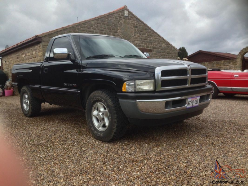 Dodge Ram 1500 Laramie 5.2L Magnum V8 Short Bed Show Truck for sale