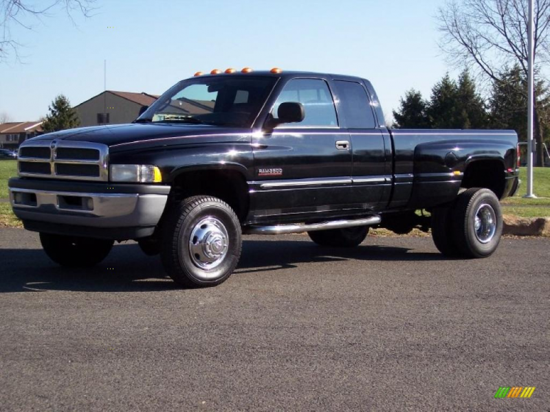 Black Clearcoat 2000 Dodge Ram 3500 SLT with Mist Gray seats