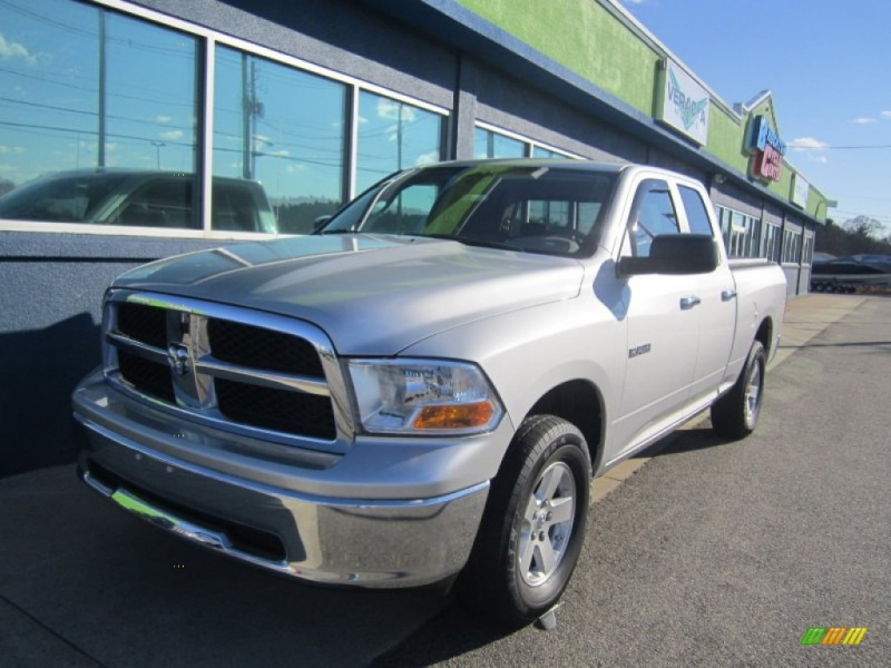Bright Silver Metallic Clearcoat 2009 Dodge Ram 1500 ST with Dark ...