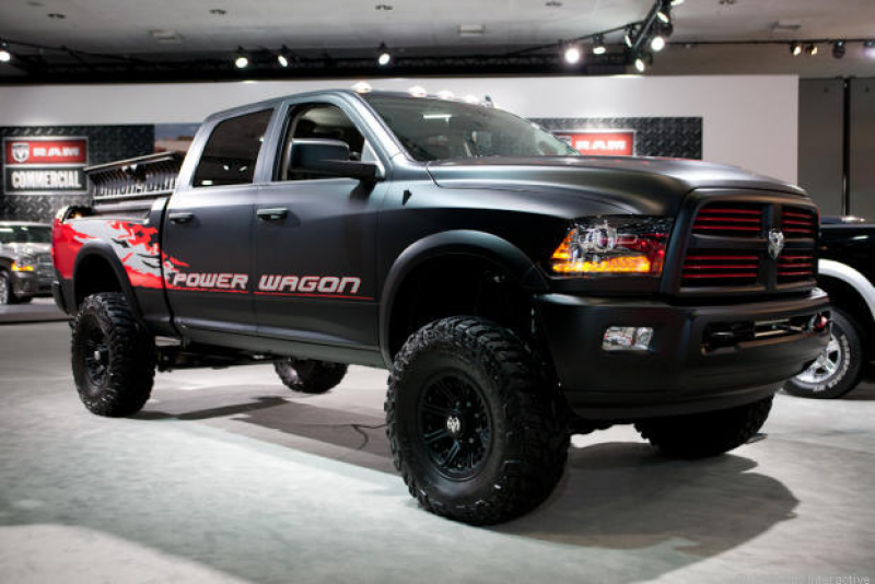 Photo Gallery of the 2015 Dodge PowerWagon Assessment