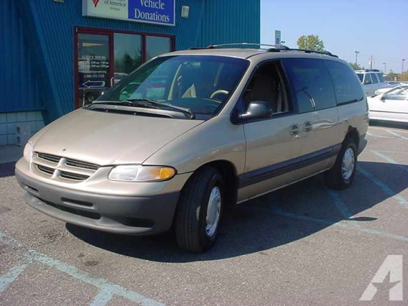 1999 Dodge Grand Caravan SE for sale in Pontiac, Michigan