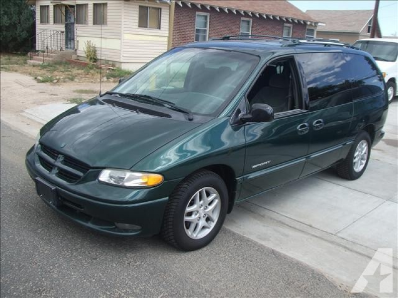 1998 Dodge Grand Caravan SE for sale in Fort Lupton, Colorado