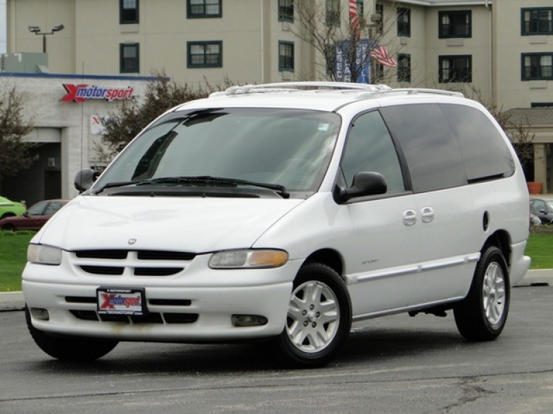 1998 Dodge Grand Caravan SPORT in Villa Park, Illinois