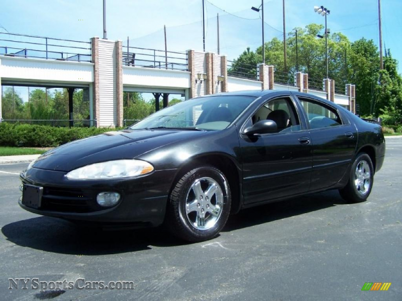 2003 Intrepid SXT - Brilliant Black Crystal Pearl / Taupe photo #1