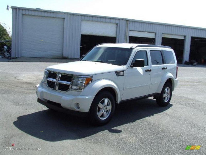 2008 Nitro SXT 4x4 - Stone White / Dark Slate Gray photo #1
