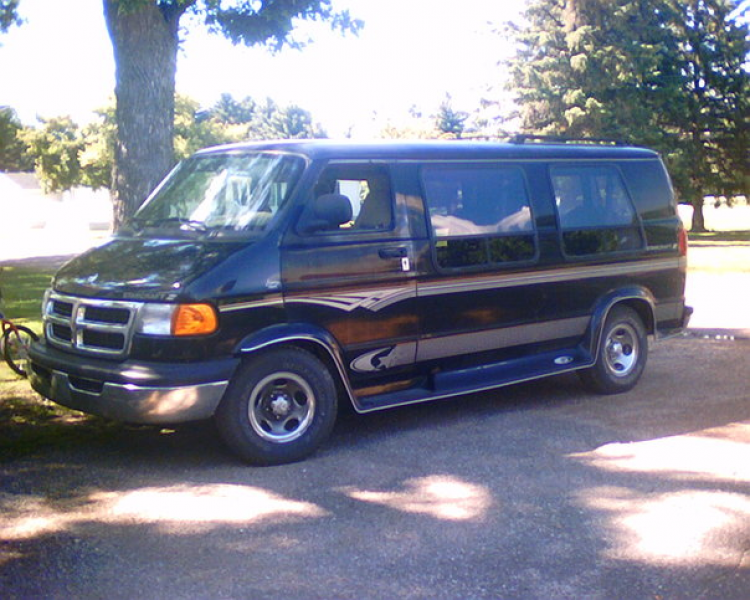 Picture of 1998 Dodge Ram Van