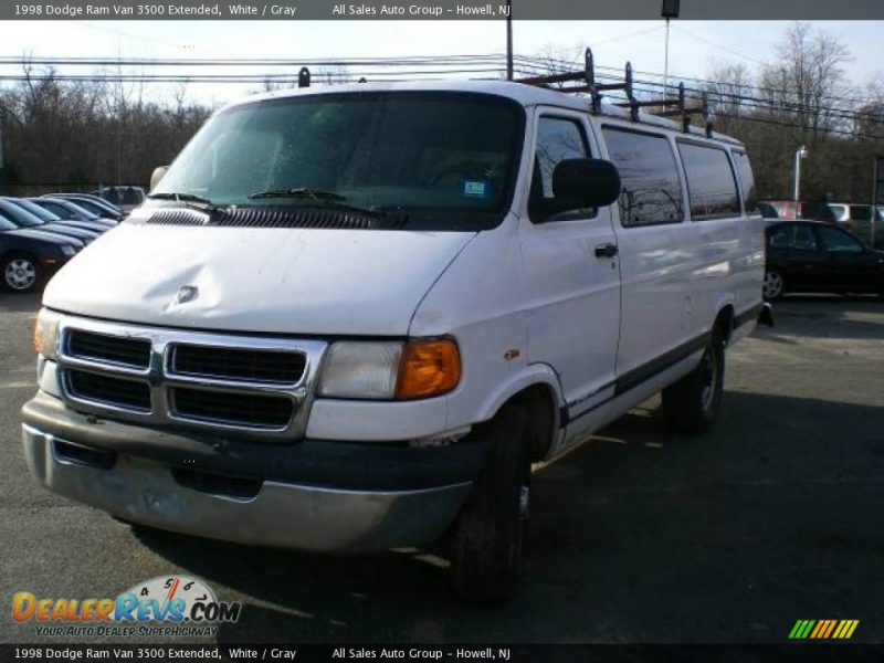 1998 Dodge Ram Van 3500 Extended White / Gray Photo #3