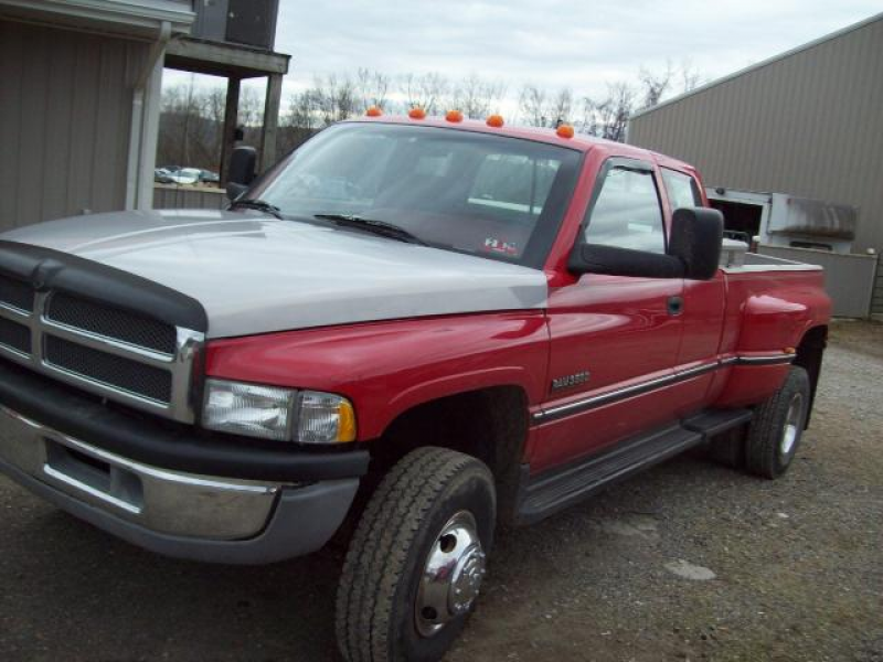 1995 Dodge Ram 3500 ST Club Cab 8-ft. Bed 4WD