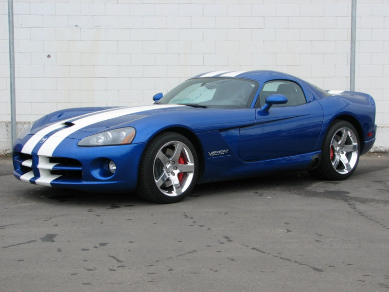Dodge_Viper_Viper%2520SRT-10_Coupe_2005.jpg