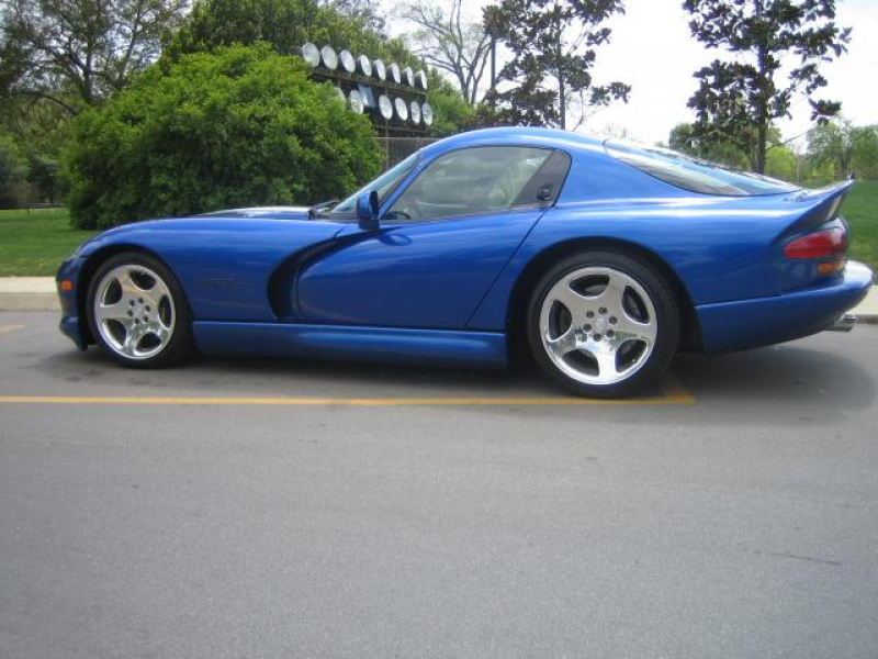 2002 Dodge Viper 2 Dr GTS Coupe picture