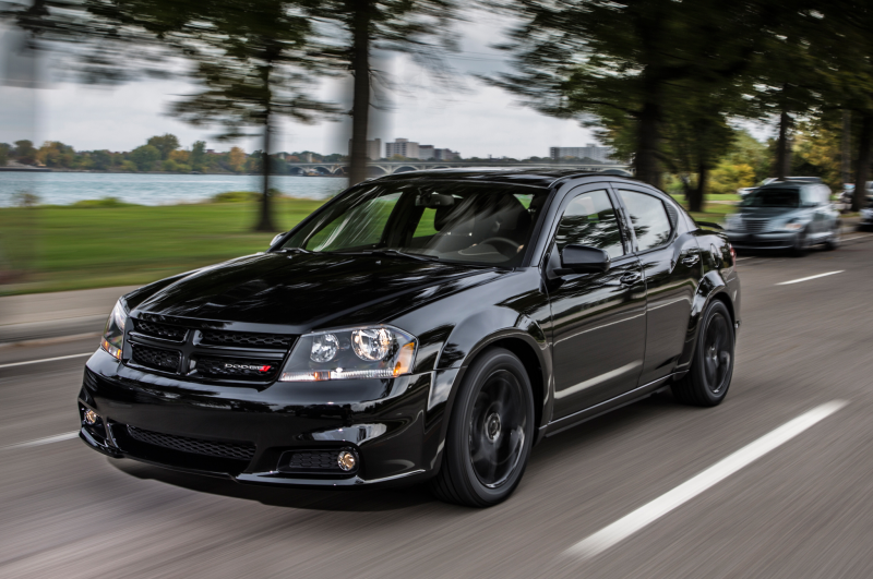 2013 dodge avenger front view in motion
