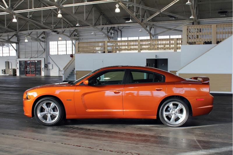 2011 Dodge Charger - Photo Gallery