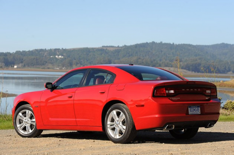 2011 Dodge Charger rear 3/4 view