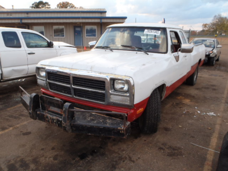 Salvage DODGE D250 1992 for sale