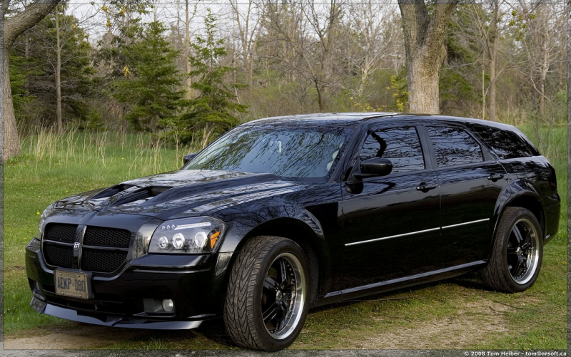 Dodge Magnum RT photos: