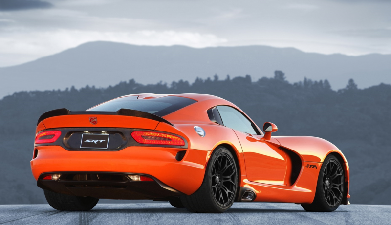 2014 Dodge SRT Viper TA rear side view