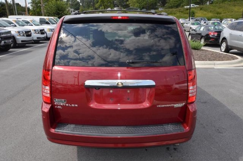 2010 Chrysler Town & Country Touring For Sale in Hendersonville, NC ...