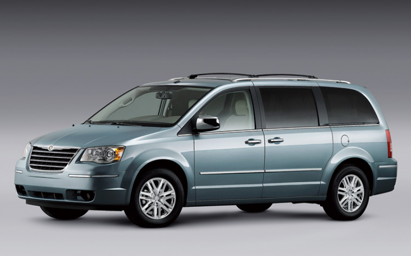 2008 Chrysler Town And Country Front