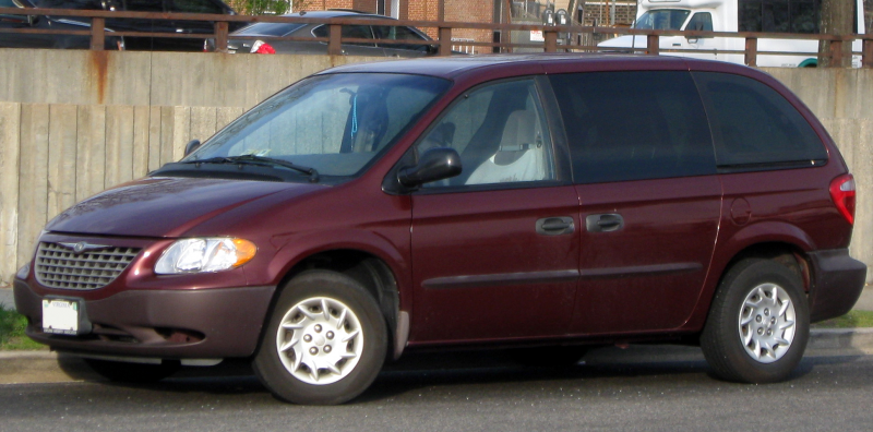 Description 2001-2003 Chrysler Voyager -- 04-10-2011.jpg