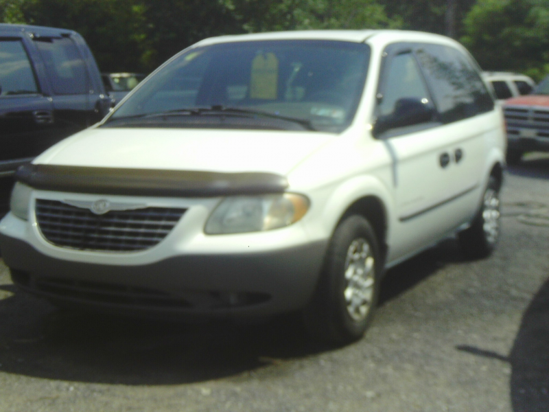 2001 Chrysler Voyager, White, V-6, Automatic, 4th Door, 3rd Row Seat ...