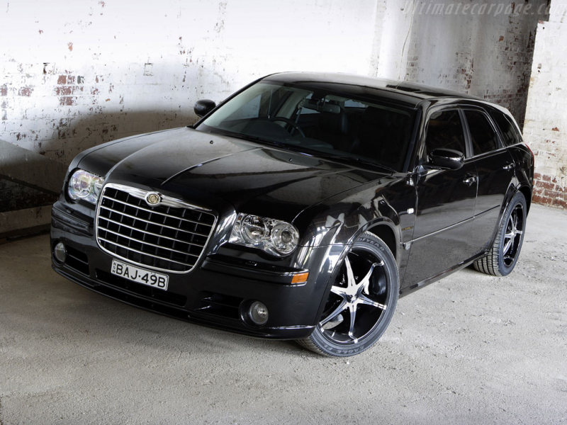 Chrysler 300C Touring Car Review