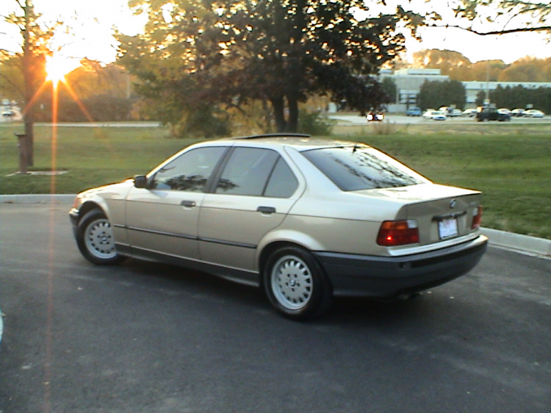 Picture of 1992 BMW 3 Series 325i
